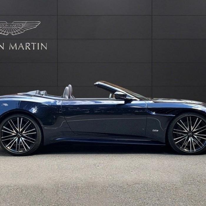 Aston Martin Dbs Superleggera Volante V12 TOUCHTRONIC 5.2 2dr 3