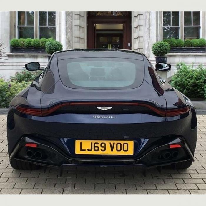 Aston Martin Vantage 2dr ZF 8 Speed Auto 4.0 7