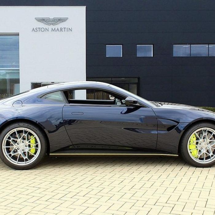 Aston Martin Vantage AMR Hero Edition 2dr 4.02