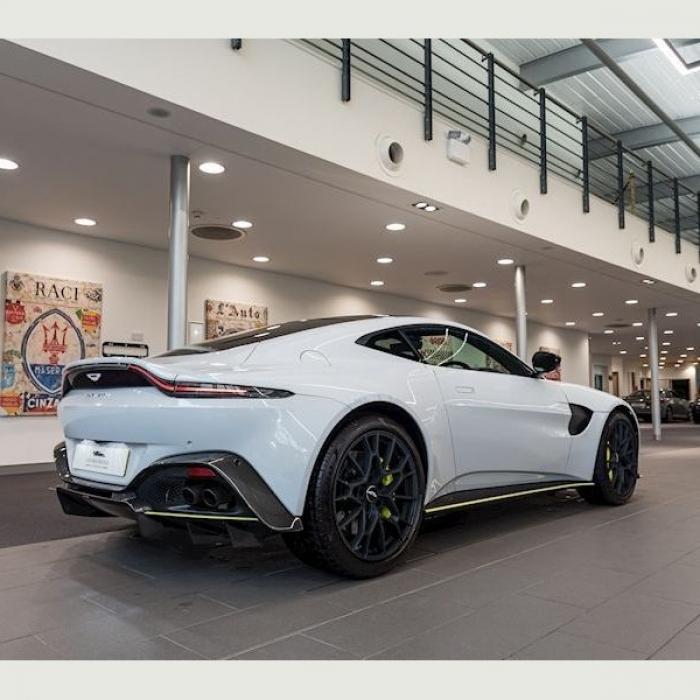 Aston Martin Vantage V8 4.0 2dr7