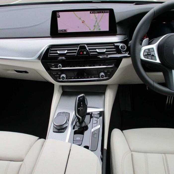 BMW 1 Series 118i SE 1.5 5dr 7