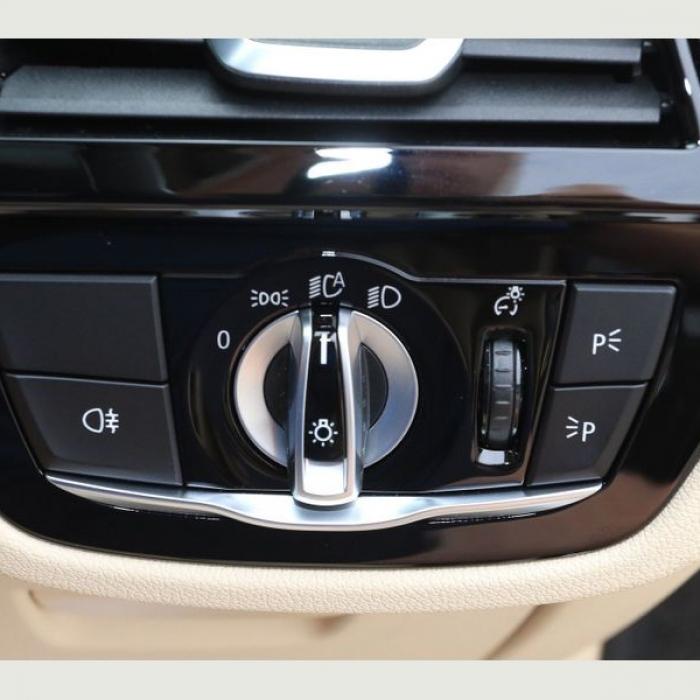 BMW 1 Series 118i SE 1.5 5dr 8
