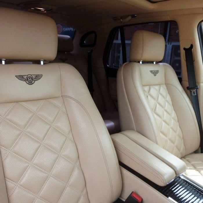 Bentley Arnage T 4a0f9a0c555d44b4bd0d72a643a4f342