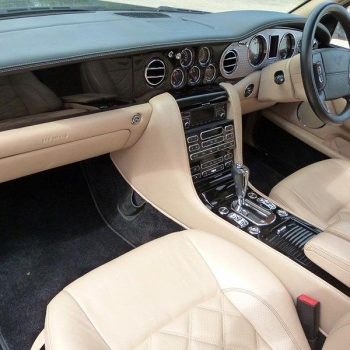Bentley Arnage T 51b4e9c8456941df86d3df74b83f2c77