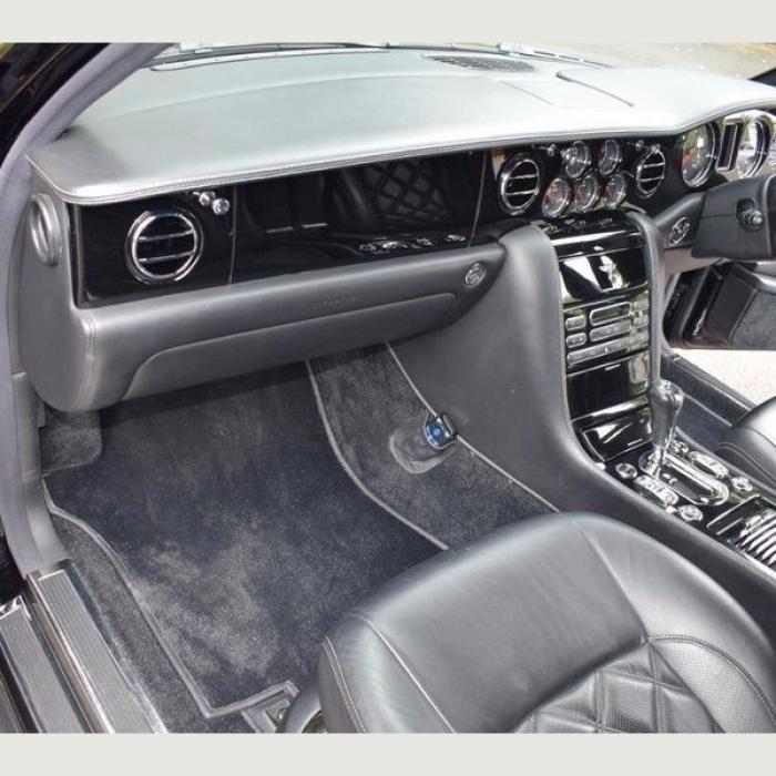 Bentley Arnage T b53eecae496e4c22b3fc8ec80a26bcbe