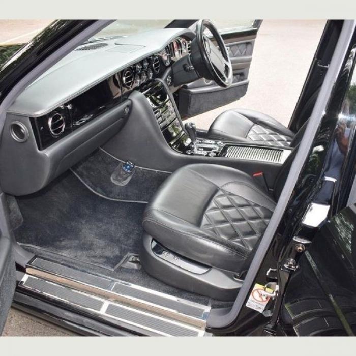 Bentley Arnage c72a1132cf35465986f7c7cdf79f0124