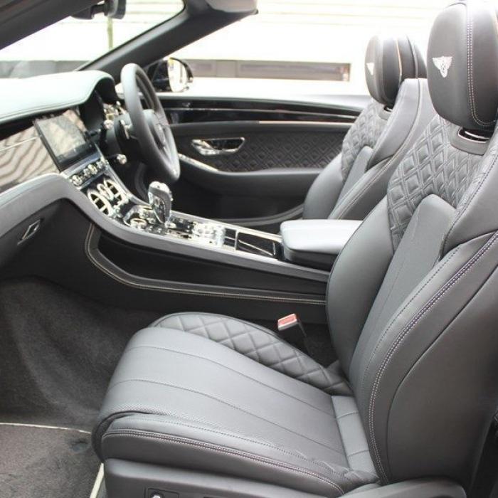 Bentley Continental Gt Convertible a9ee1fc0faba4ab09dd38c14c2315c05