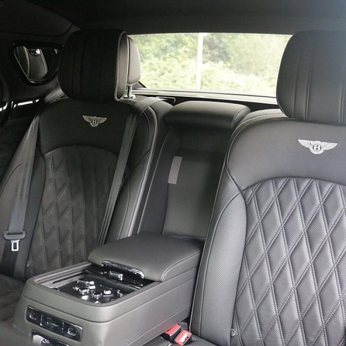Bentley Mulsanne- 3962a0a748904c7881d63c16e4cba57c
