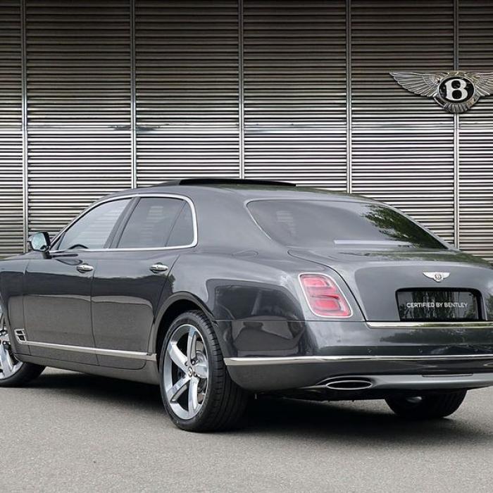 Bentley Mulsanne-6b8c06246a1b444ea070401c63f4512a