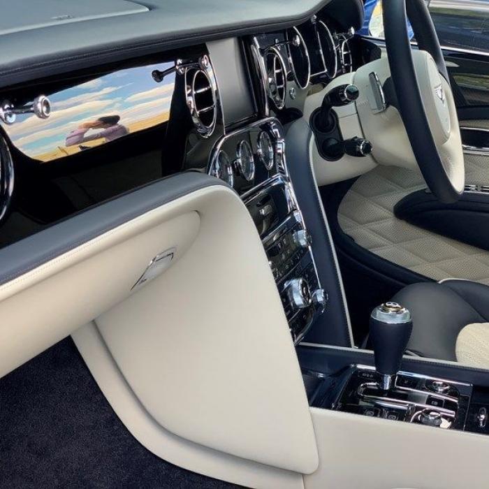 Bentley Mulsanne 7ee780d345fd41d89ffd739506e1c7dc