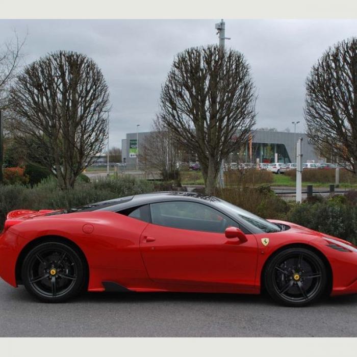 Ferrari 458 1c2ddd3553bb4d4c9fba2ec2adc8cc7d