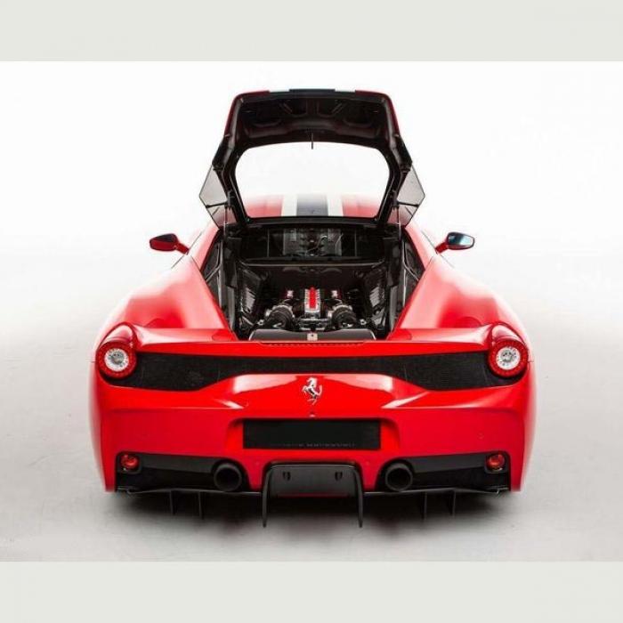 Ferrari 458 52cf85f9367941d3b9d10edd3985251a
