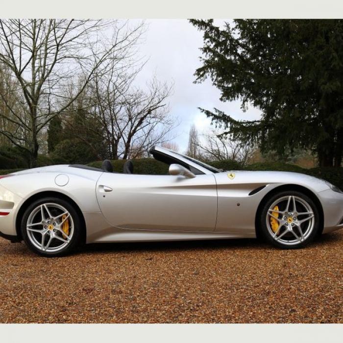 Ferrari California 12a11cfc863f4f5c9d95ff47b14ac727