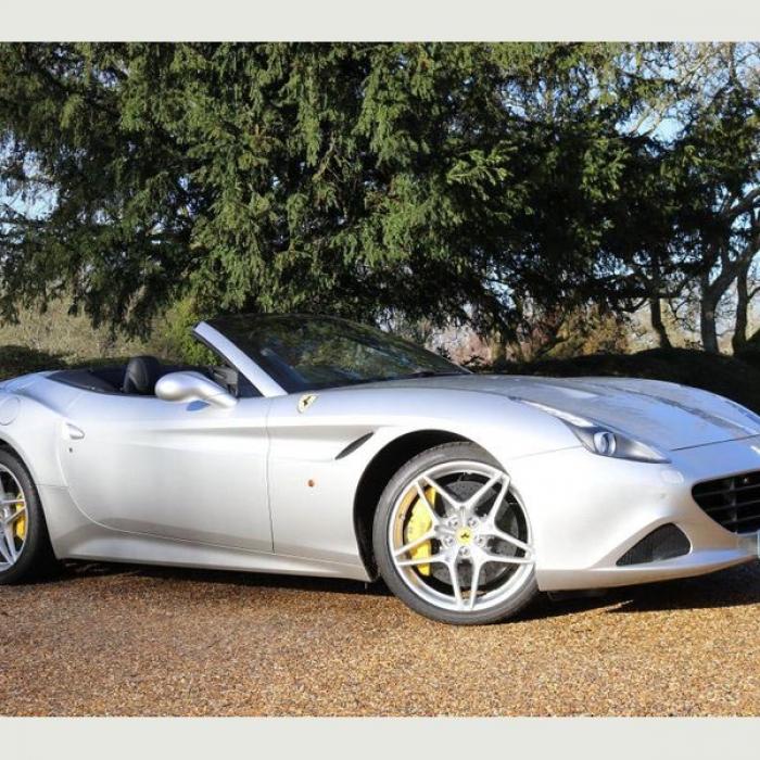 Ferrari California 3dc5e71cfe6748629ed1b16b7c0d9349