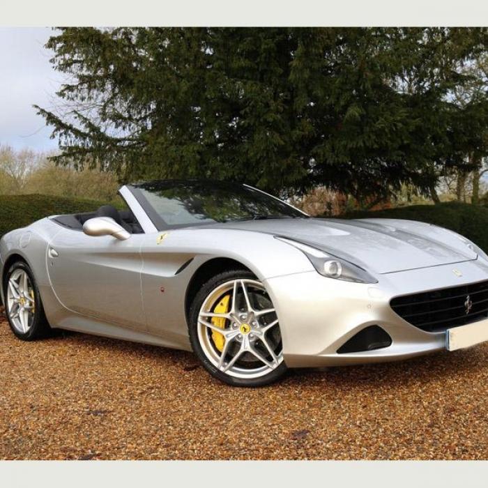 Ferrari California 3efa14b6e158424087f65b605b0bc995