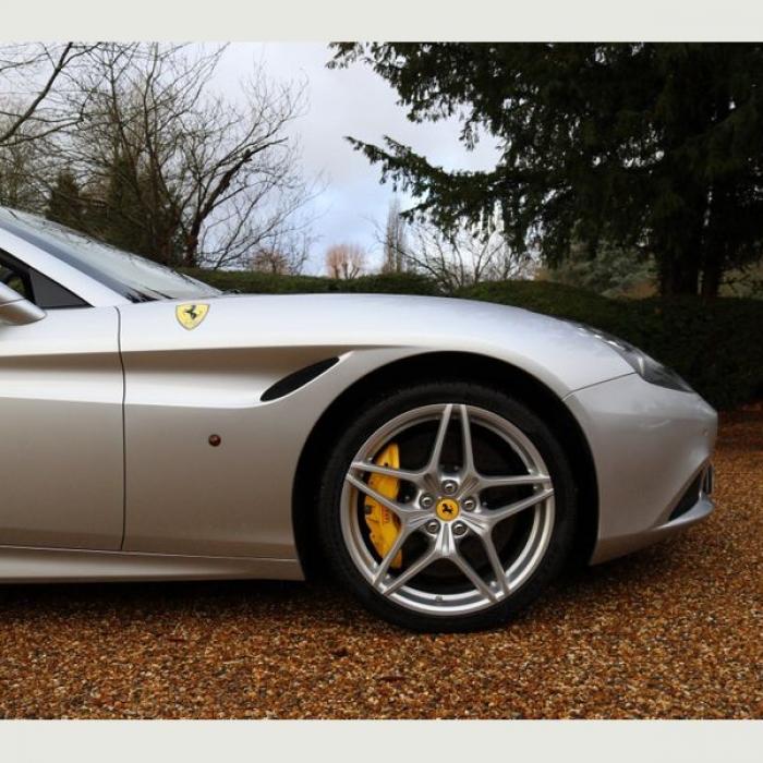 Ferrari California 5dd6ba7259e54b4e802dfea612688e81