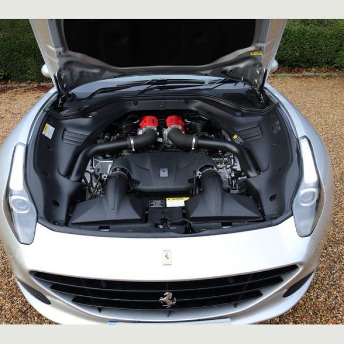 Ferrari California 6e50bfd747ab4379848d81fdac3943fa