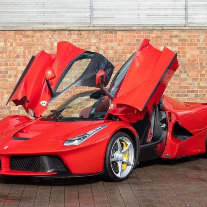 Ferrari Laferrari 6437e6d972ce4dc3bc1848eda7c62e4e