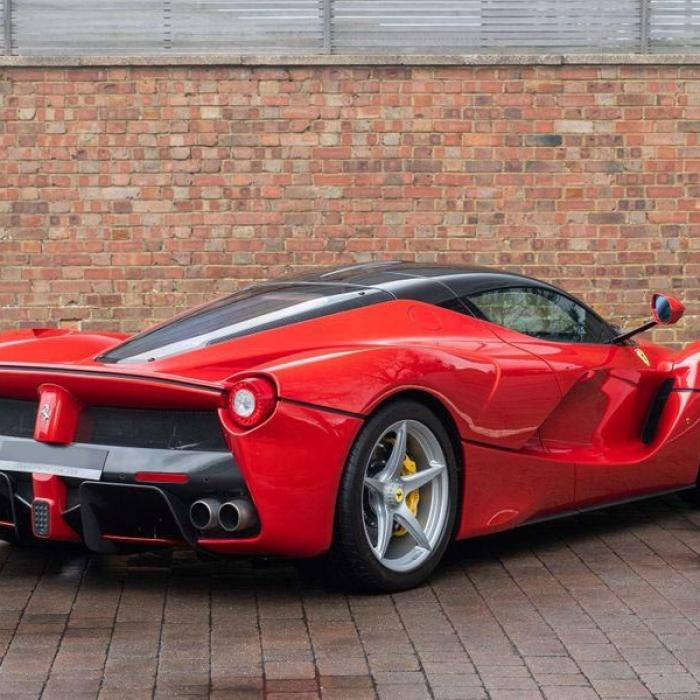 Ferrari Laferrari 74551c8c260c40eb982a1a9cc995a7ec