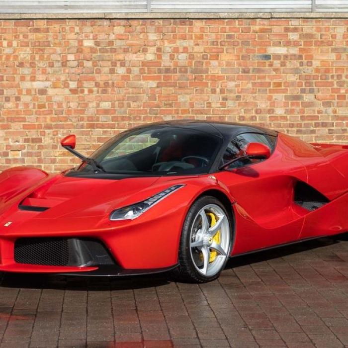 Ferrari Laferrari 8b8b5672567e44d4a241f6a6cdf38719