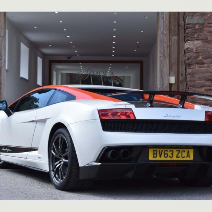 Lamborghini Gallardo 9e262ad308a44084b1e7156af095268e
