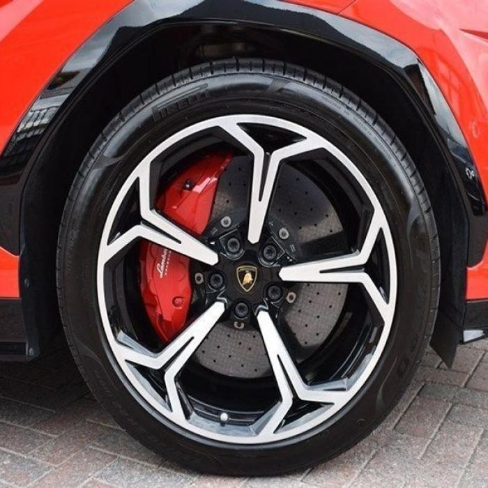 Lamborghini Urus 57c3ecd9e0ce44d28ba8e80fd32eec11