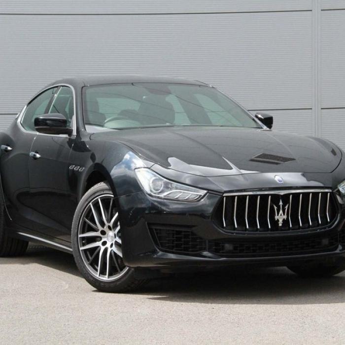 Maserati Ghibli a4db3ec53aff417696ec21f0cbadf7f0