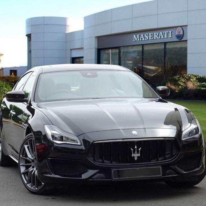 Maserati Quattroporte 3ee8c89640b44ec3a5400c12f53b5b5e
