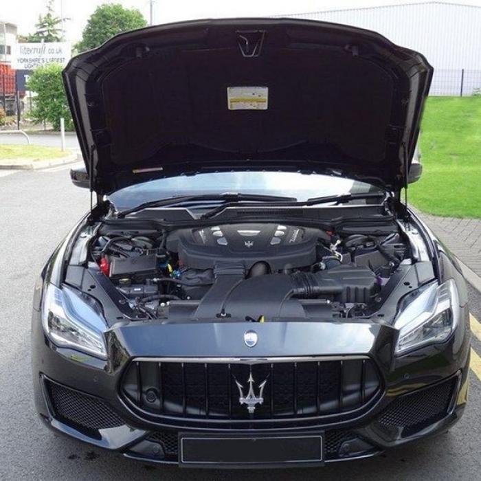 Maserati Quattroporte d05dfb8e075840158e704d5b9532d1f8