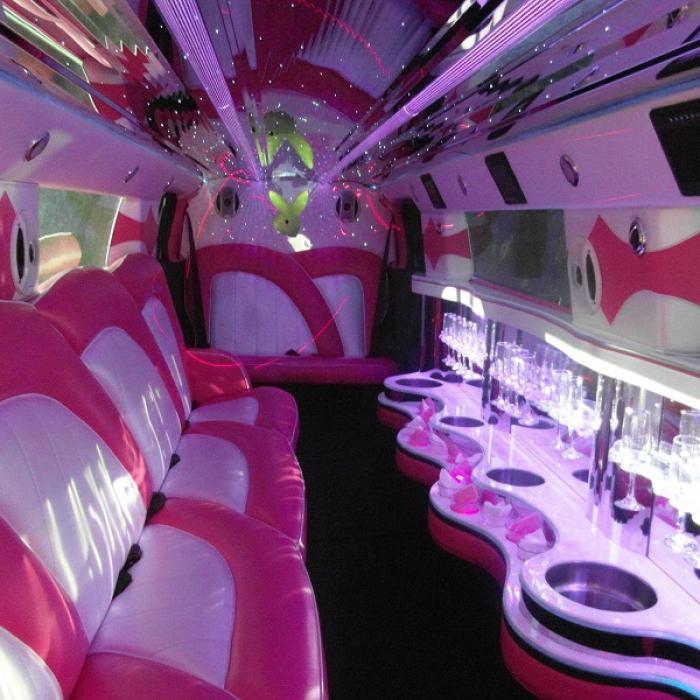 Pink_Minx_Hummer_H3_interior